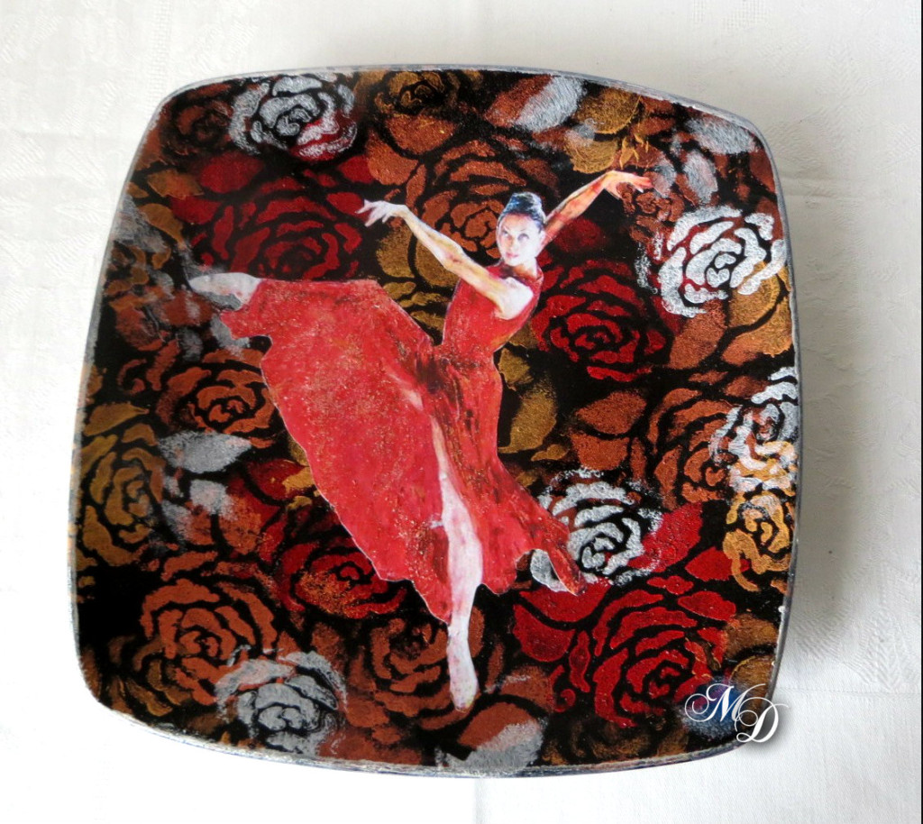 Decoupage su ceramica con stencil e paste colorate
